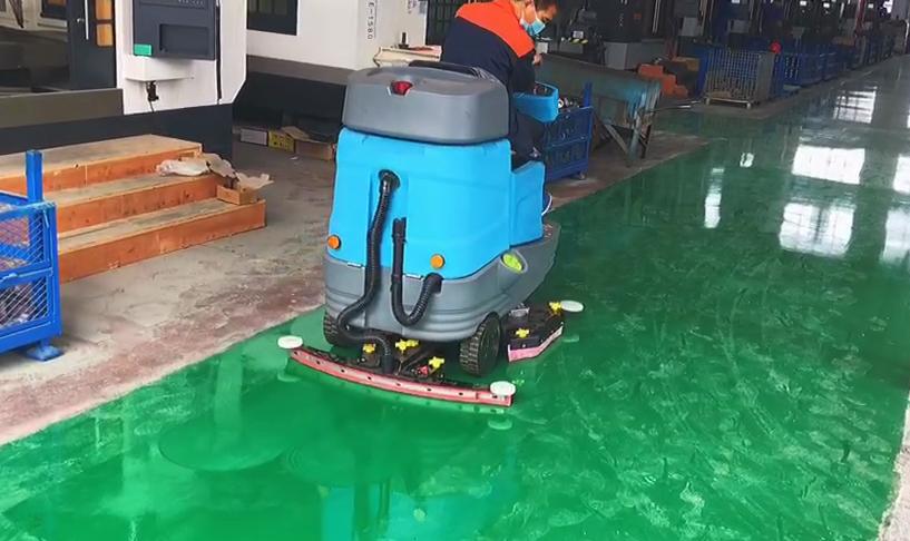 沐鸣2官方注册驾驶式洗地机对地库保洁的重要性